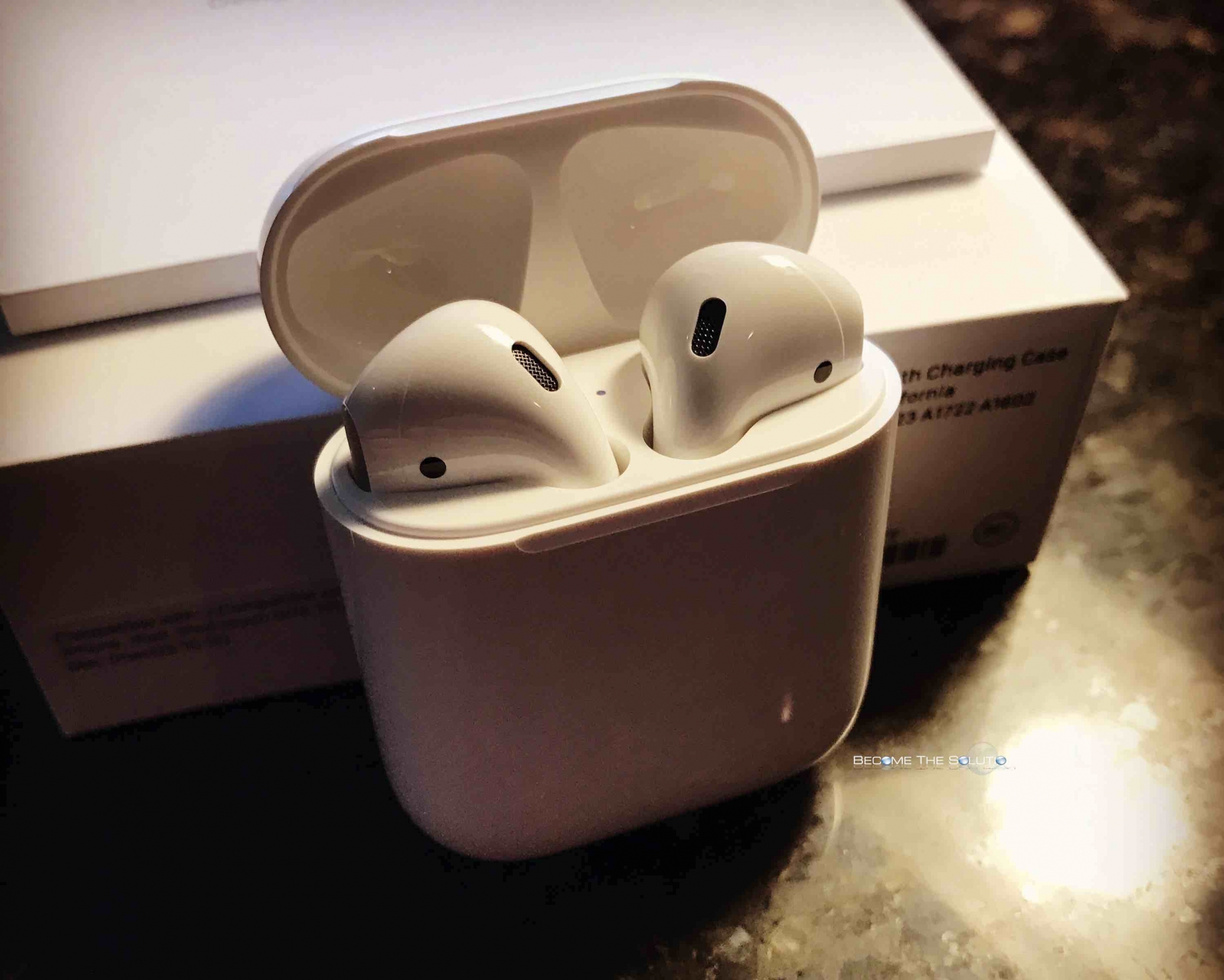 Review: Apple Airpods and Unboxing